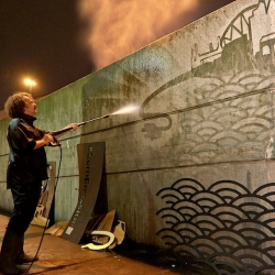 Nissan's new campaign working with Moose (Paul Curtis) to depict London's skyline with clean graffiti in Waterloo.