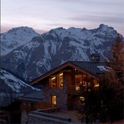 The beautiful Chalet Béranger, tucked away in St Martin de Belleville. Gorgeous ski lodge in the Alps, designed by Noé Duchaufour-Lawrance.