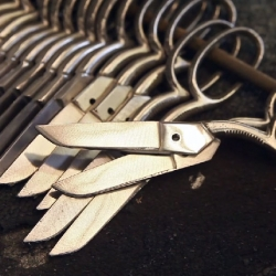 Beautiful video showing Ernest Wright & Sons of Sheffield making scissors by hand.