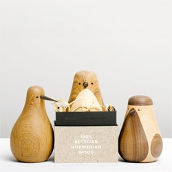 Gorgeous bird ornaments by Lars Beller Fjetland. 'Re-Turned' 100% recycled.