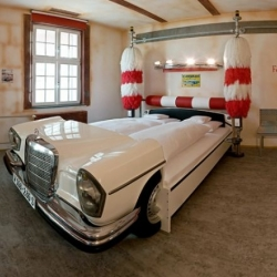 V8 Hotel in the Meilenwerk Stuttgart is a paradise for lovers of iron horses
