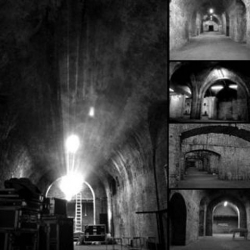 Submit2gravity offer artists a unique opportunity of exhibiting in the vaults under Victorian railway arches in November. The gallery space is tucked away behind a small black door in London Bridge.