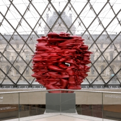 A visit at the Louvre with the new exhibition of British contemporary artist Tony Cragg.