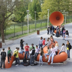 At the Maris College (The Hague, Netherlands) Bisscheroux & Voet designed world's largest school bell, WOOFAH.