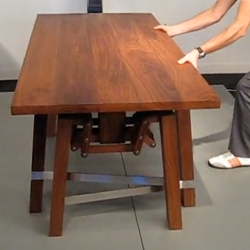 Interesting video of Wouter Scheublin's 'Walking Table'.