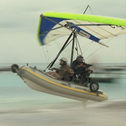 Together with the British ultralight-pilot Richard Meredith-Hardy and his 'Flying Inflatable Boat', a boat that flies, Matthias Ziegler discovers Zanzibar to its farthest reaches.