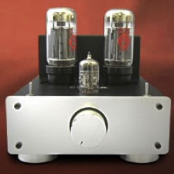 Using small-yet-powerful 6L6GC vacuum tubes, the TU-879s Amp from Elekit produces vibrant sound. Above all, because it's a DIY kit you get the chance to see exactly how the equipment works and make modifications as you choose.
