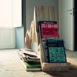 Spread 10Y, graph magazine rack by Studio Inesistente. Photo by Sebastiano Pitruzzello.