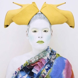 Amazing self-portraits by the super talented Kimiko Yoshida.