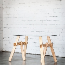 Convert any surface into a modern table. Trestle made of solid pine wood,  and it doesn´t have any screws or glue.