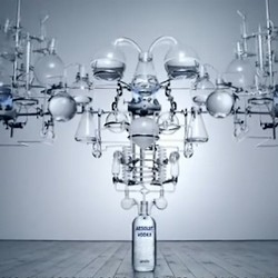 Absolut teamed up with artist Dan Tobin Smith to offers us a beautiful video featuring a cathedral of glass which in flows the precious liquid, delivering his message with the states of the fluid (gas or liquid).