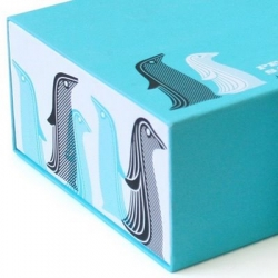 Print Pattern has a look at the packaging of the new Jonathan Adler Whale, Fish, and Penguin Salt and Pepper shakers ~ and the graphic design (as well as the products) is adorable!