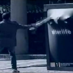 "For promote ""Afterlife"", ITV and M&C Saatchi realized in the city of London this funny ambient."