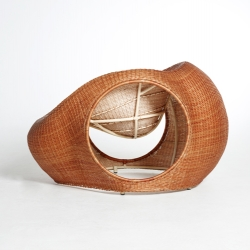Amalia by Eggpicnic, celebrates a Chilean material called mimbre, going back to the essential of working with traditional materials and techniques. Amalia is hand woven by artisans from Chimbarongo.