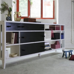 Nice multifunctional furniture by Berlin based designer Silvia Rottenberger for Andere Räume.