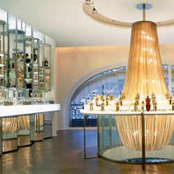 Andrée Putnam: Ambassador of Style. Exhibition highlights decades of sleek design and  is now on display at Paris's Hôtel de Ville