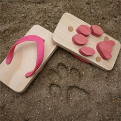 Kaz Shiomi & Kiko+'s Ashiato Animal Footprint Sandals