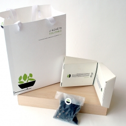 Nice package designed by Annick Bouchard for fair trade tea: «half for me half for you.»