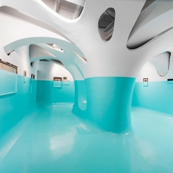Antivegetativa, immersive installation by Davide Delia in the Ex Elettrofonica Gallery, Rome, Italy.