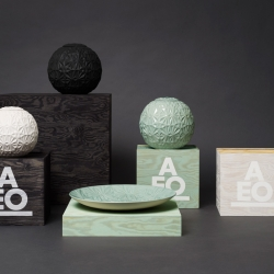 Swedish AEO has designed some stunning ceramics and with the help of Aoki wrapped it all in some very nice packing!