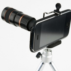 Photojojo unveils an external telephoto lens for the iPhone, complete with a collapsible tripod protective case where it latches onto. The lens offers up to 8x telephoto zoom and has a rubber grip for more control when focusing.