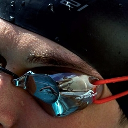The Bullit Mirror, revolutionary design in swimming goggles by Aquafeel.