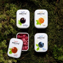 Arctic Candy makes suger free hard candy with classic Norwegian flavors (cloudberries, lingonberries, blueberries and crowberries). Beautiful packing by Oslo based Neue.