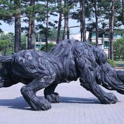 Amazing sculptures from used tires