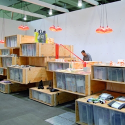 Artshop 10: a temporary designboutique by ZMIK. Plywood crates and lashings get combined to a smart and impressive display sculpture.