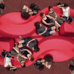 D&A public seating by Assaf  Israel. A design that will change the way people interact in public spaces. Most public seating options are cramped, uninviting, and this offers pedestrians more ways of interacting.