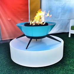 Introducing Astrofire, the newest addition to the Modfire family. The Astrofire shares the same DNA as our popular Urbanfire line and once again reinvents the outdoor fireplace.