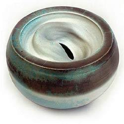 I love the ceramic works of polish potter, Bozena Sacharczuk