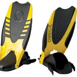 Amphibian Dynamic Scuba Fin by Designcraft.  Allows divers to walk and climb boat ladders without removing their fins.