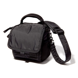 Head Porter Black Beauty - A very simple, yet functional and nice looking new DSLR camera case comes from Head Porter.