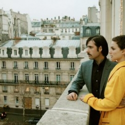 Wes Anderson released a free iTunes download of Hotel Chevalier, a 13-minute prequel/introduction for The Darjeeling Limited. The 2005 short stars Jason Schwartzman and a bruised-up Natalie Portman.