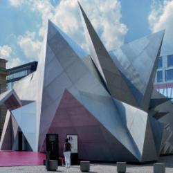 The Bavarian State Opera has unveiled Pavilion 21 MINI Opera Space, designed by Coop Himmelblau, a visually stimulating experimental performance venue.