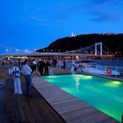 Nowadays, everything is about portability - including pools! Case in point - Barge Beach Budapest on the Blue Danube. This migrating recreational pier features a pool and even a beach where sunbathers can catch a tan and a ride!