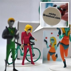 Resoluut turns their illustrated superheroes for each employee into 3D printed business cards!