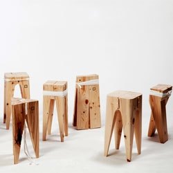 Four simple wooden elements and a cotton cord give rise to two different stools, that can be assembled in many different ways, able to create each time a new object. A project by Studio Blitzkrieg.