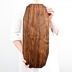 OnOurTable's 1.5.1 Ray : Long wooden serving board