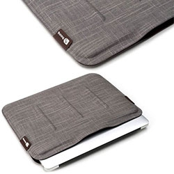"Booq Viper Sleeve for Macbook Air 13"" ~ zipperless! So no scratching ~ Snug fit with elegant magnetic closure and exterior made from 100% natural fiber."