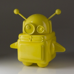 Boot I by Pixel Pancho, from street art to international concept store. Amazing limited edition robot-pop-pot.