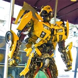 Thai Sculptor Transforms Scrap Parts Into Jumbo Autobots. Wow.