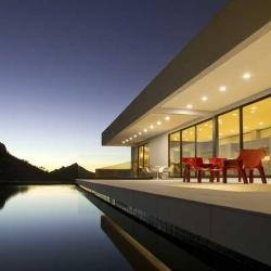 Located in Scottsdale, Arizona is the Bradley Residence designed by Michael P. Johnson.