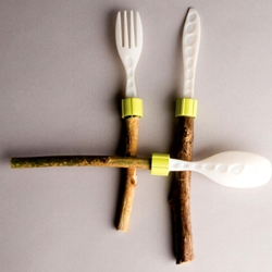 Outdoor cutlery – Find the branch that is right for you, attach it to the desired tool and voila you have a fork, knife or spoon. Replace the branch whenever you feel like. Go green!
