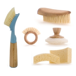 Full Circle Sustainable & Bio-degradable Multi-Purpose Cleaning Set ~ some of the cutest woody cleaning supplies i've ever laid eyes on!