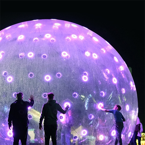 ENESS brought Sonic Light Bubble, a large-scale installation to life for White Night Melbourne, Australia. This giant synthetic organism attempts to humanize lighting-based public art, attracting passers-by to engage and interact with its beauty.