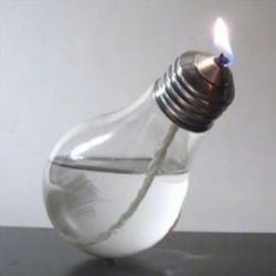 Bulb candle designed by Sergio Silva