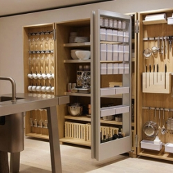 The bulthaup b2 is a new way to live the kitchen. Discover this collaboration between Bulthaup and EOOS !