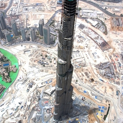 The Burj Dubai tower, the tallest skyscraper in the world, is about to be completed. David Hobcote has taken a series of amazing high resolution pictures from the air.